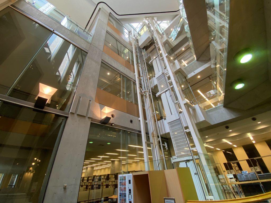 明治大学中央図書館