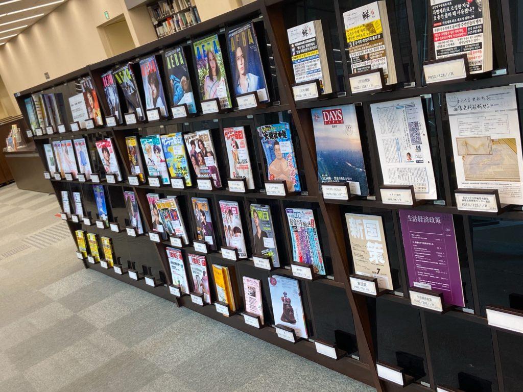 明治大学中央図書館地下1階